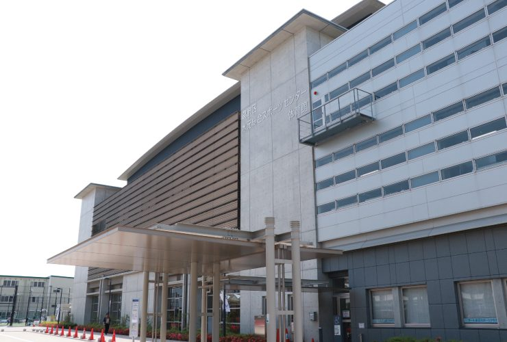 水元総合スポーツセンターバス停前