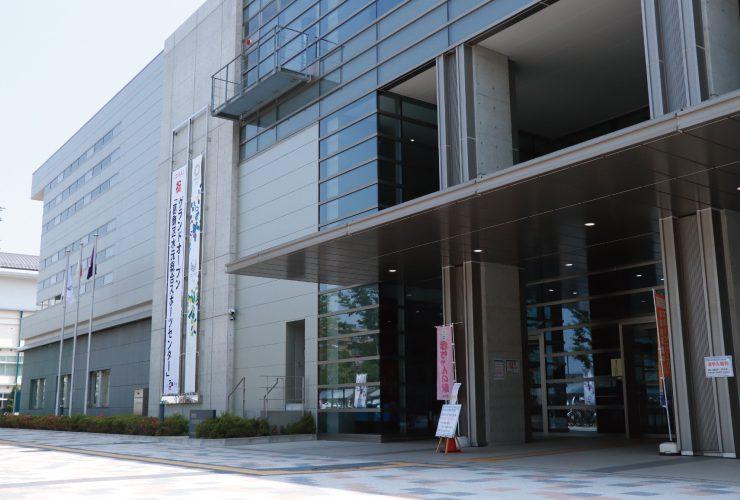 水元総合スポーツセンターの入口
